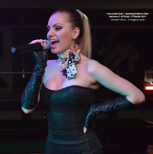 http://img.karaoketexty.sk/img/artists/33604/alexandra-stan-259875.jpg