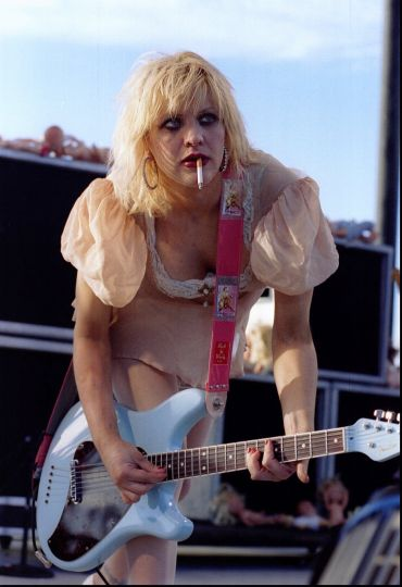Kurt Cobains note about Courtney Love and marriage found