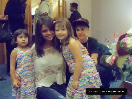 Selena Gomez a Justin Bieber s fanoušky
